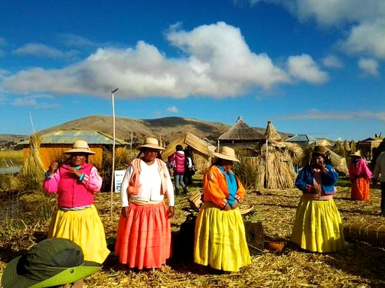 Is it worth going to Lake Titicaca Uros tourist trap