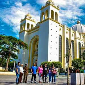 Doing a layover tour is an excellent way to see some of El Salvador in a short time