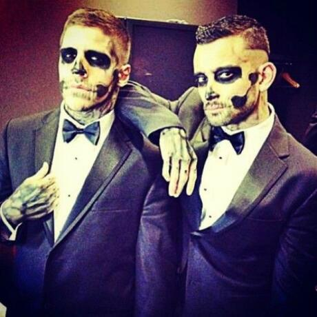 Skeleton suit gay couple Halloween costumes ideas