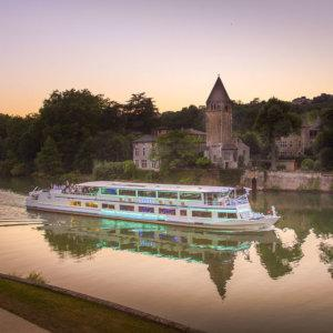 A dinner cruise makes for an incredibly romantic evening in Lyon.