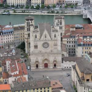 Explore the beautiful Old Town of Lyon on an informative walking tour.