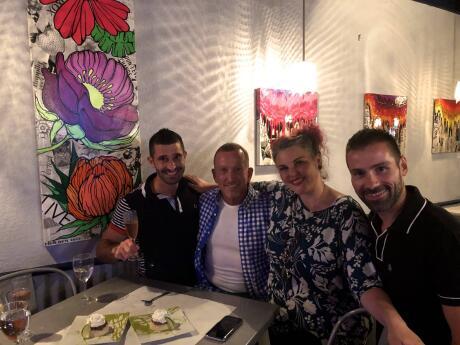 Experimentando o famoso restaurante gay Torta de limão e pérolas em Fort Lauderdale