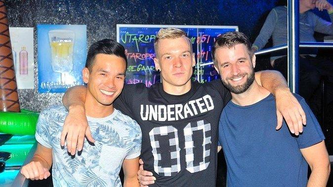 pub crawl of the gay bars in Prague