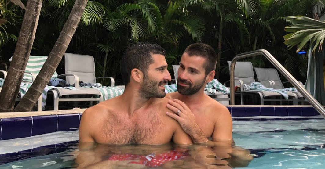 Many gay resorts in the US are clothing-optional and you'll easily be able to find this out