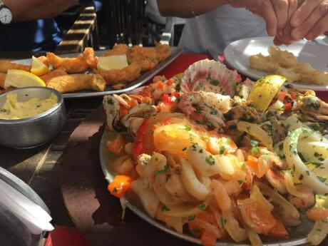 Gay travel Puerto Madryn - the freshest seafood can be fount at Nautico.