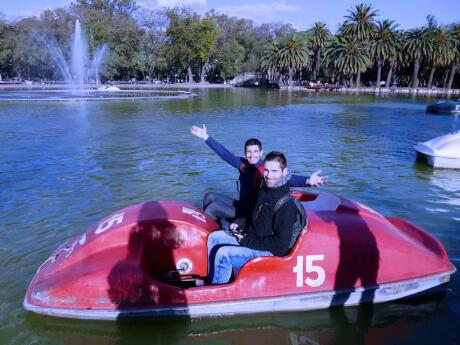 A boat ride in the Independence Park - gay guide to Rosario
