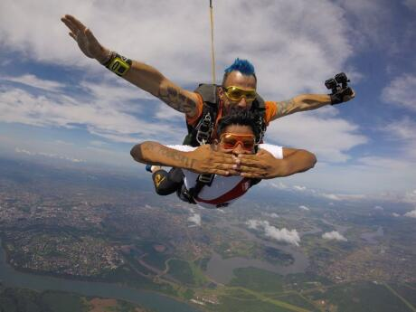 Have an unforgettable experience tandem sky-diving over the Three Frontiers near Foz do Iguacu, Brazil.
