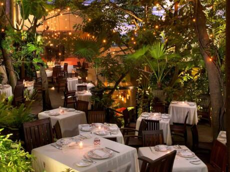 Gay Puerto Vallarta - For the ultimate in gastronomic romance take your lover to the incredible Cafe des Artistes!