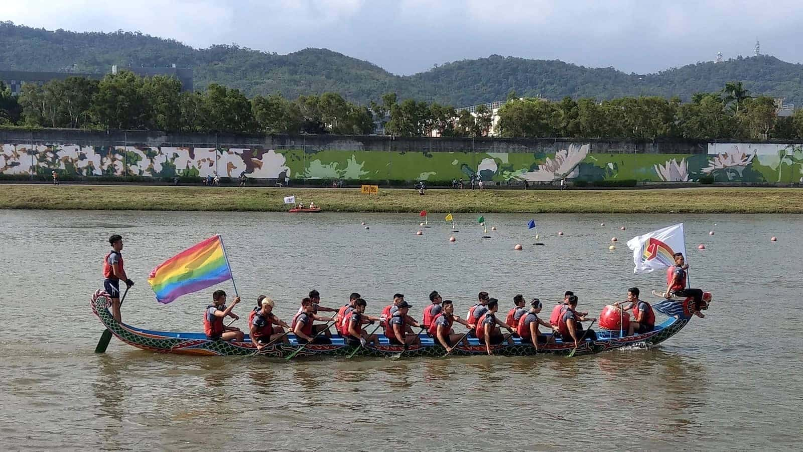 Gay Taiwan boat racing competition