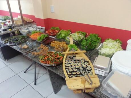A delicious vegetarian buffet at Cheiro Verde Restaurant in Foz do Iguaçu.