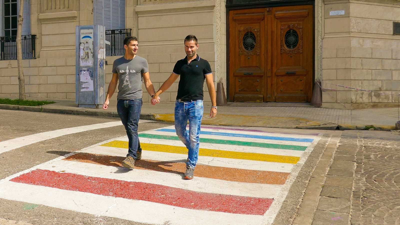 The rainbow crossing in Rosario shows how gay friendly this city is!