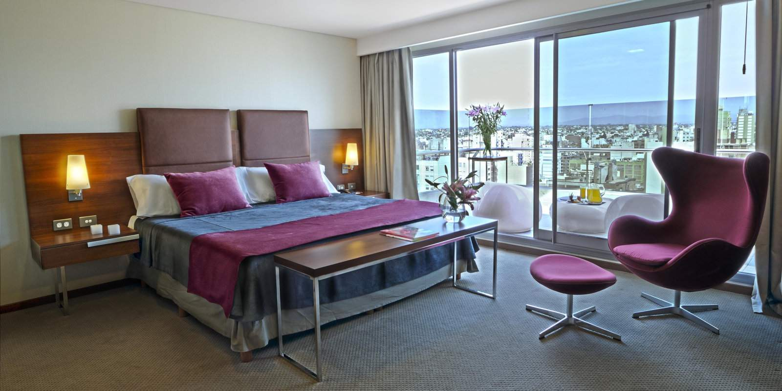 Howard Johnson la Canada Suites are a gorgeous, and gay friendly, place to stay in Cordoba.