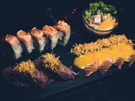 Gay travellers can have delicious sushi and fabulous cocktails at Negroni Bistro in Rosario
