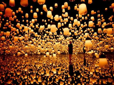 Amazing immersive art at the teamLab Borderless digital art museum in Tokyo.