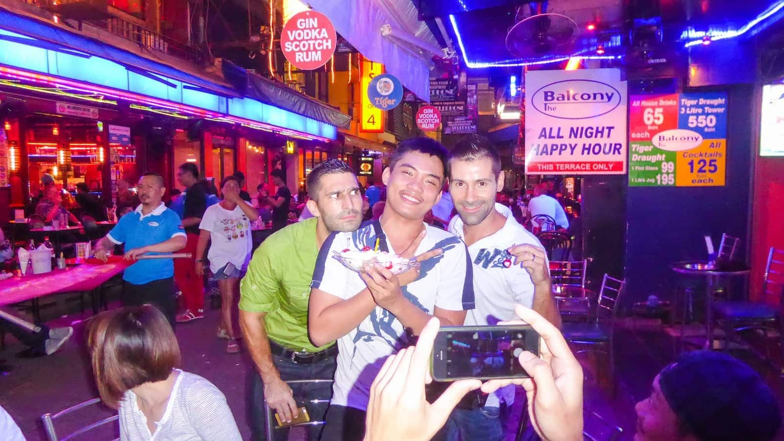 discovering the gay bars of Bangkok in Silom