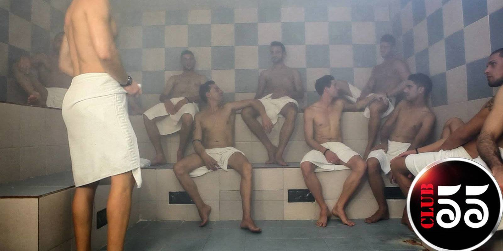 Make new gay friends at Medellin's Club 55 gay sauna.