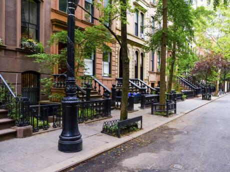 Fans of Sex and the City can visit spots from the hit series on a tour.