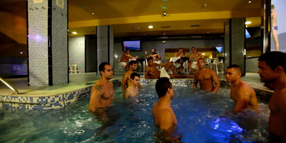 Sauna Thermas is a fun place to relax and you can also hire gentlemen here .