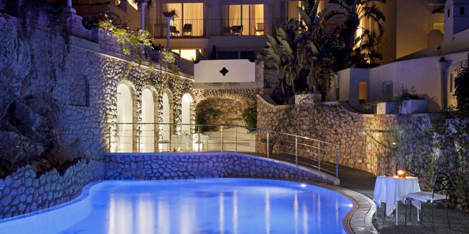 Gay travel to the Amalfi Coast - Have a romantic dinner next to the pool at Hotel La Floridiana on Capri Island.