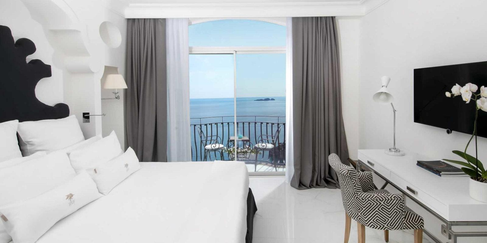 Gay Amalfi Coast guide - Have a truly romantic stay at the gorgeous Hotel Villa Franca in Positano