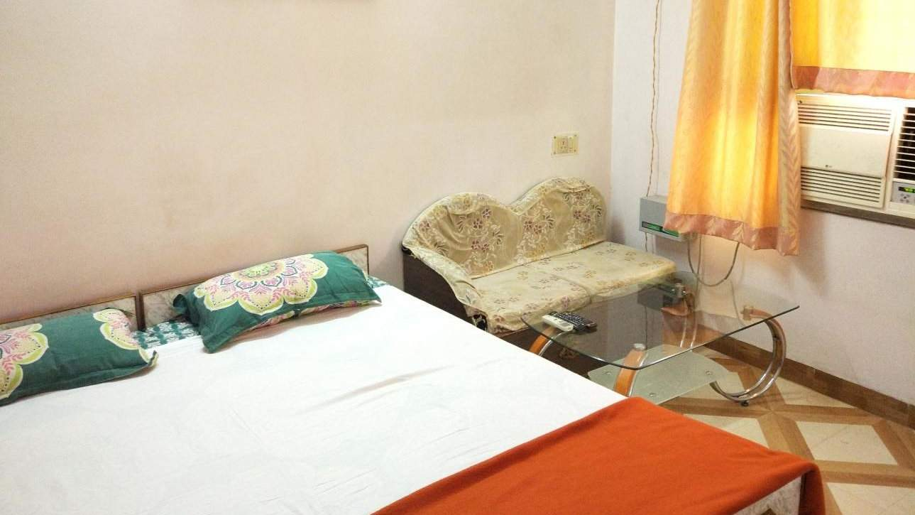 For clean and comfy on a budget, stay at the gay friendly Kesher guesthouse in Varanasi
