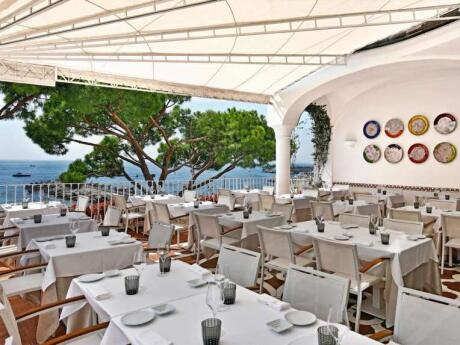 Sensi Amalfi is a romantic and gay friendly restaurant in the town of Amalfi