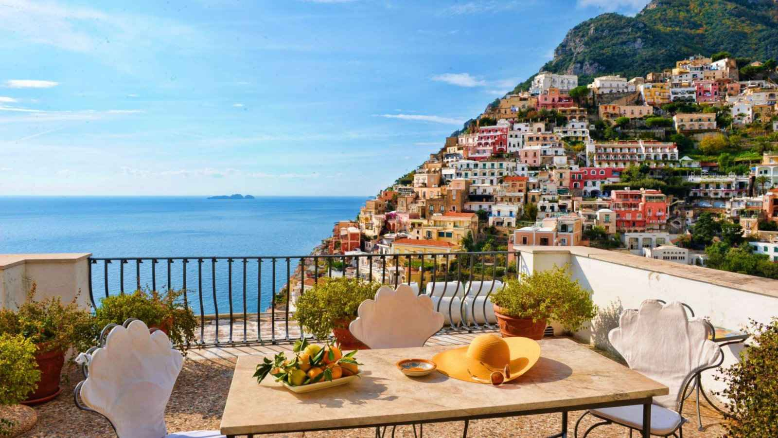 Villa Rose is one of the best budget accommodation options in Positano for gay travellers