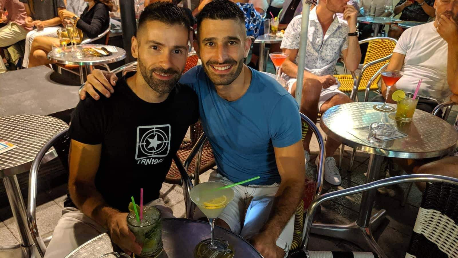 Sitges has some wonderful gay cafes for relaxing, reading a book, having a snack and/or a cocktail!