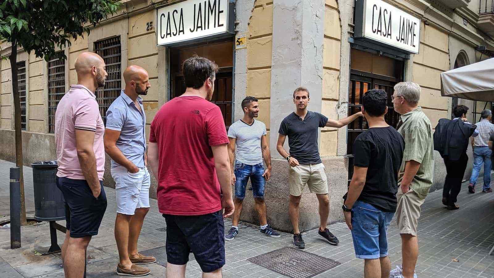 Vous pouvez tout apprendre sur le quartier gay de Barcelone en rejoignant une tournée gay