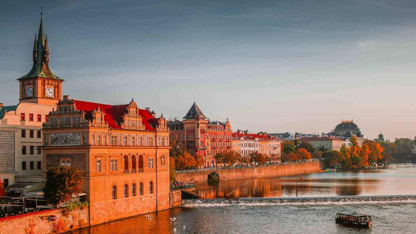 Cruise on the river Danube between Prague and Budapest with Brand G