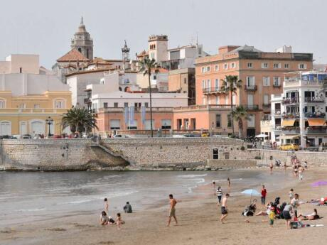 Sitges has a variety of beaches for relaxing and swimming, including specific gay beaches and gay nude beaches!