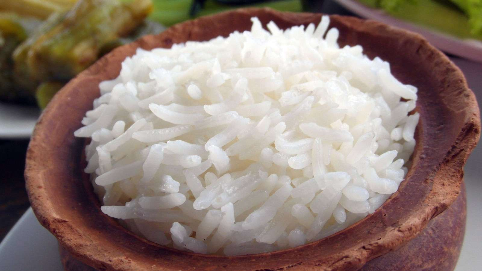 Uma tigela de arroz nas Filipinas é o prato principal de qualquer tipo de comida filipina