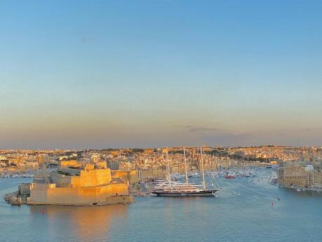 Gay travel to Malta - join a tour to explore the historic Three Cities and visit a Maltese winery for some tasting!