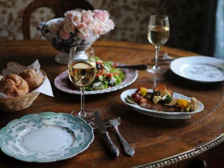 Pour une cuisine délicieuse et la plus jolie décoration de Tbilissi, rendez-vous au Café Linville