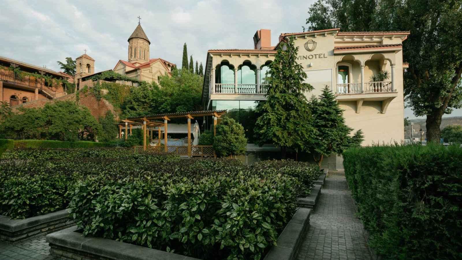 Le Vinotel Boutique Hotel à Tbilissi est un endroit magnifique, luxueux et gay friendly