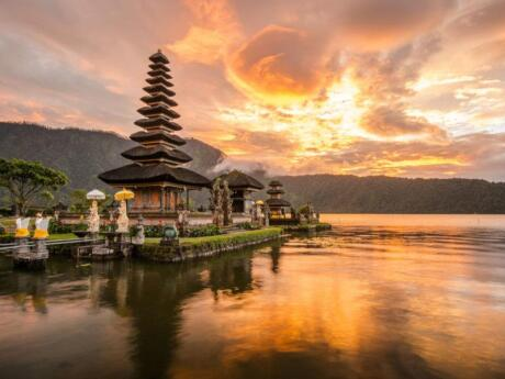 If you want to get some of those picture-perfect Instagram shots in Bali, you'll want to visit the gorgeous northern part of the island on a daytrip