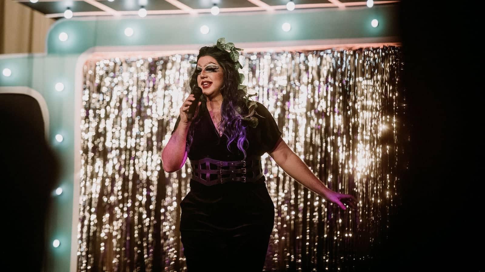 Tolqueen drag queen in Malta