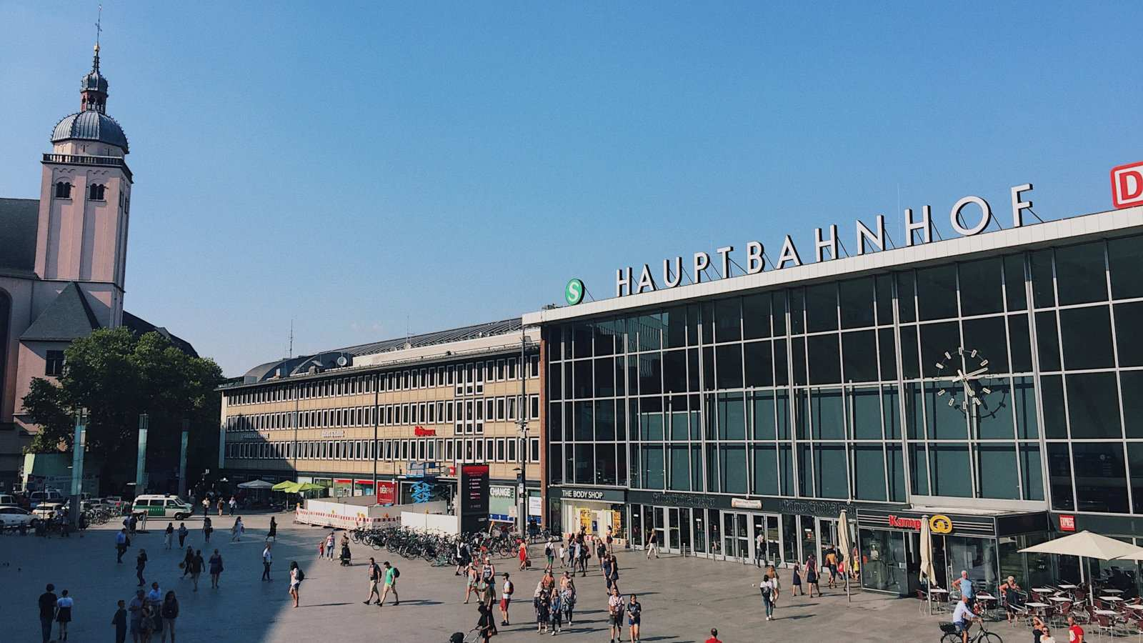 Most trains from the Cologne Airport take you directly to the Cologne Hauptbahnhof (central station)