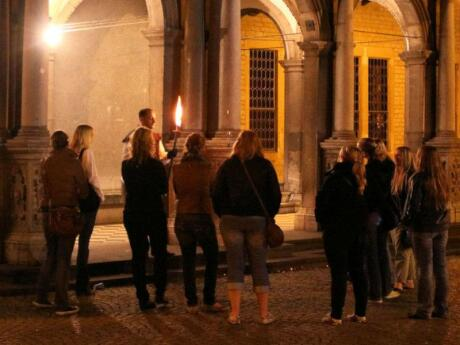 For a touch of the macabre you can join a nighttime ghost tour of Cologne