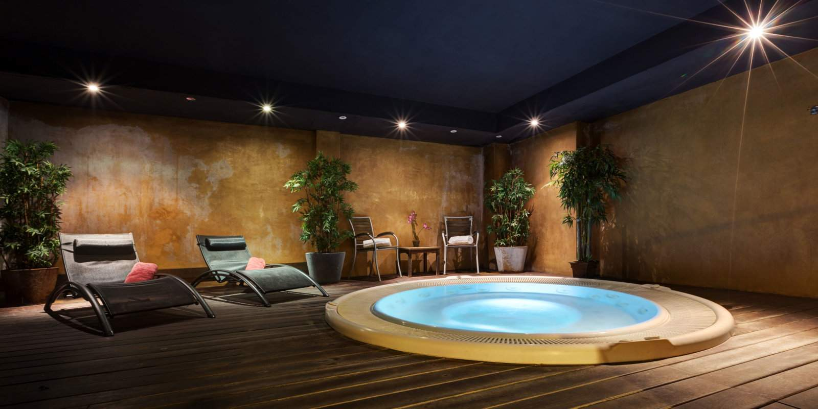 Gay hotels in Barcelona - Acevi Villarroeal is a lovely 4-star hotel in Barcelona with a rooftop pool, gym, restaurant and spa