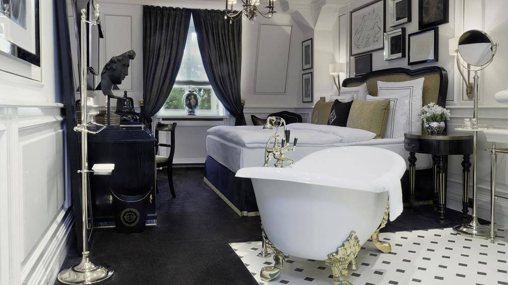 For an incredibly sexy stay, the Schlosshotel Berlin is located in a palace and provides truly romantic special packages for couples
