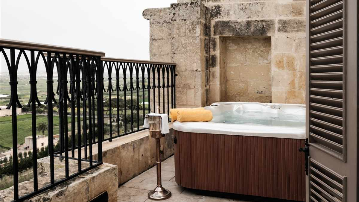 The Xara Palace Relais & Chateaux in Mdina will truly make you feel like a gay princess in a castle!