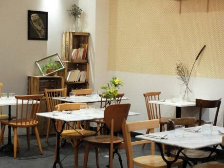 La Belle Saison is our favourite vegetarian restaurant in Nice, with yummy food and really cute decor as well