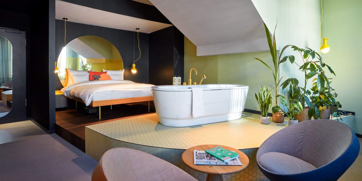 25hours Hotel The Circle à Cologne est super, avec une décoration particulière et une atmosphère amusante et jeune