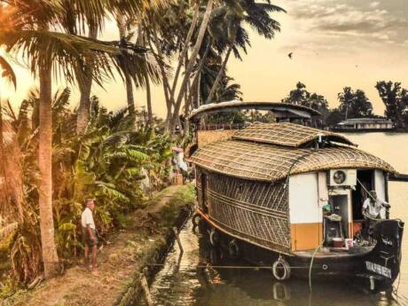 For a truly authentic experience, you can stay on a traditional Indian houseboat and cruise the backwaters of Kerala