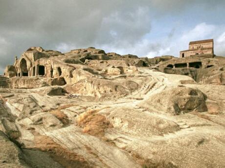 Uplistsikhe est une partie fascinante de la Géorgie à visiter en excursion d'une journée et à explorer un paysage qui ressemble un peu à Mars.