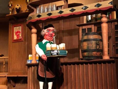 We recommend Hänneschen und die Pfeffermühle for traditional German cuisine in Cologne, it has very quirky decor as well!