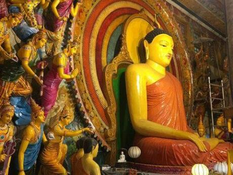 Gangaramaya is considered to be one of the most significant temples in all of Colombo and is definitely worth a visit to marvel at the beautiful structure and interior displays
