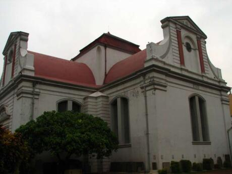 The Dutch influence in Sri Lanka can still be seen in architecture and museums in Colombo - make sure you check it out