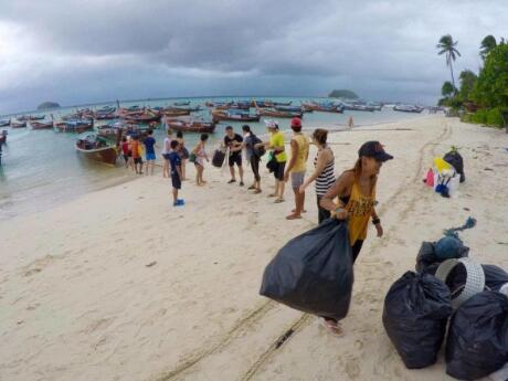 If you want to make a difference while visiting Koh Lipe you can join one of the weekly beach and island cleanups organised by Trash Hero
